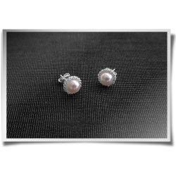 Edged Pearly Studs