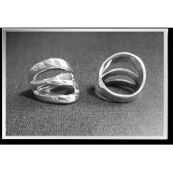 Three Strand Wavy Ring